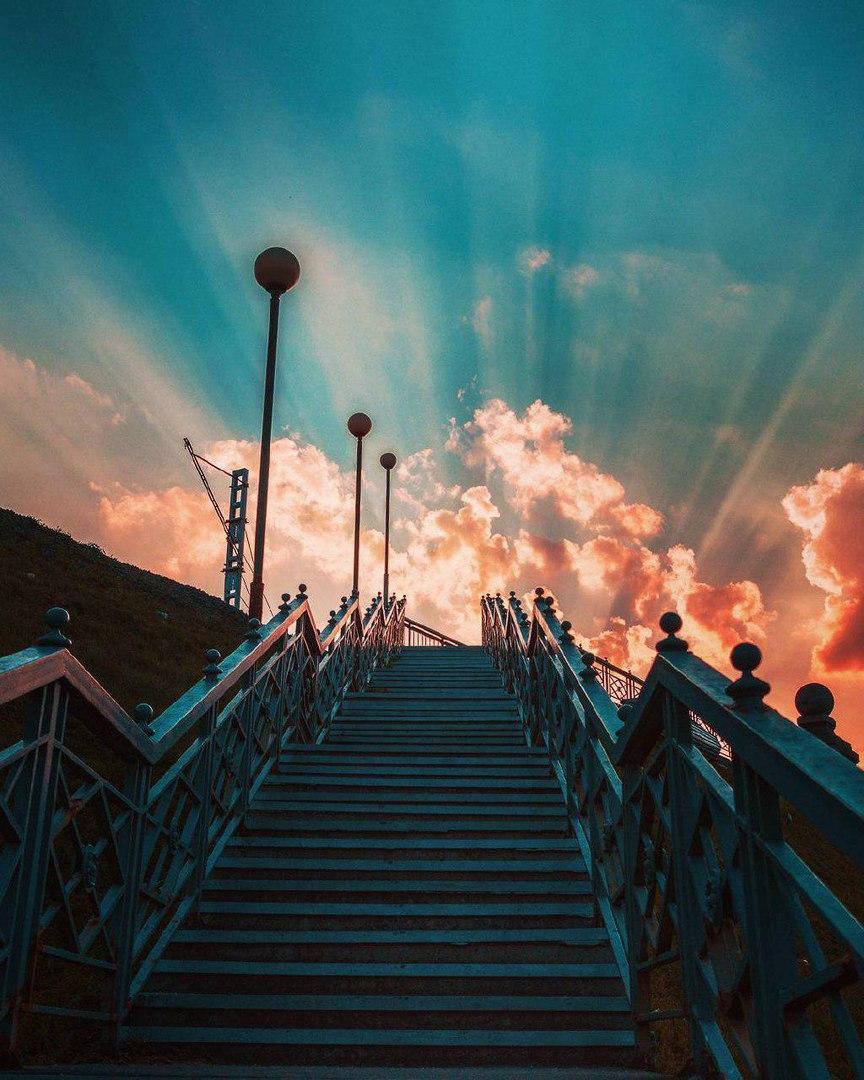 марка лестница в небо картинка для рабочего стола проще всего