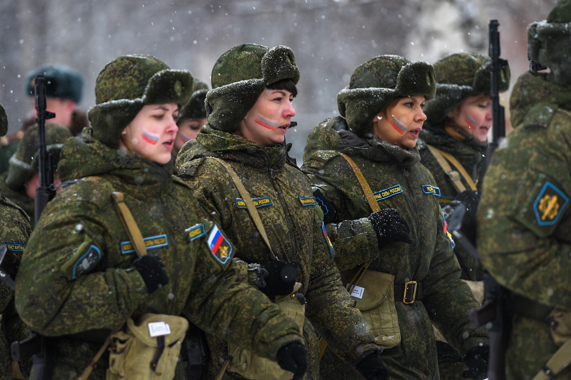 Женская служба в армии фото