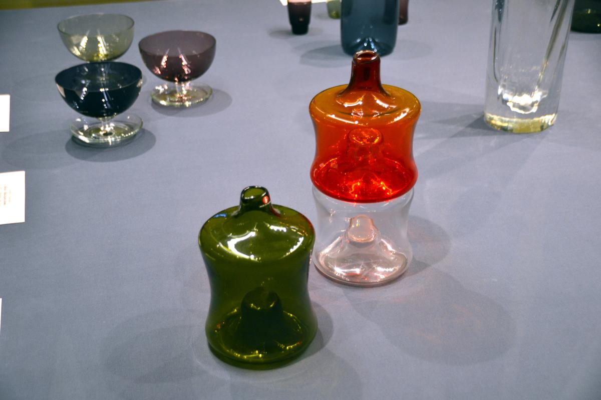 9. Посуда модернизма - это всегда эксперимент с формой, цветом и техниками изготовления.
